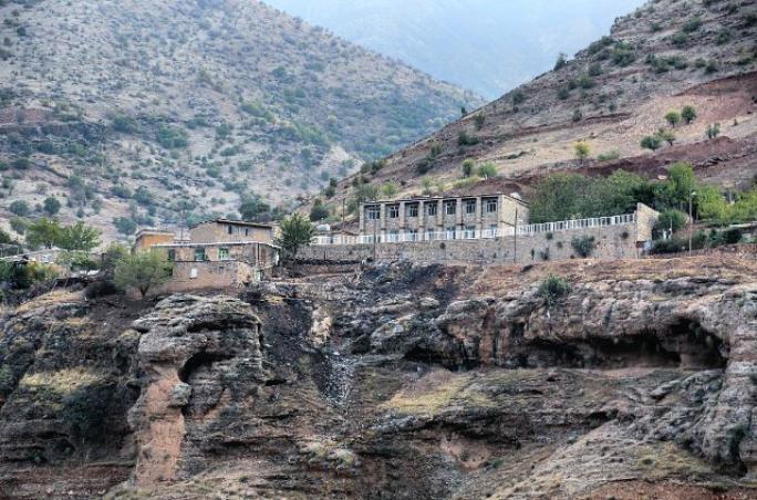 مدرسه روستای گلال
