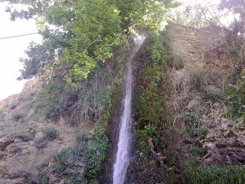 آبشاری زیبا با نام محلی سنا وسار