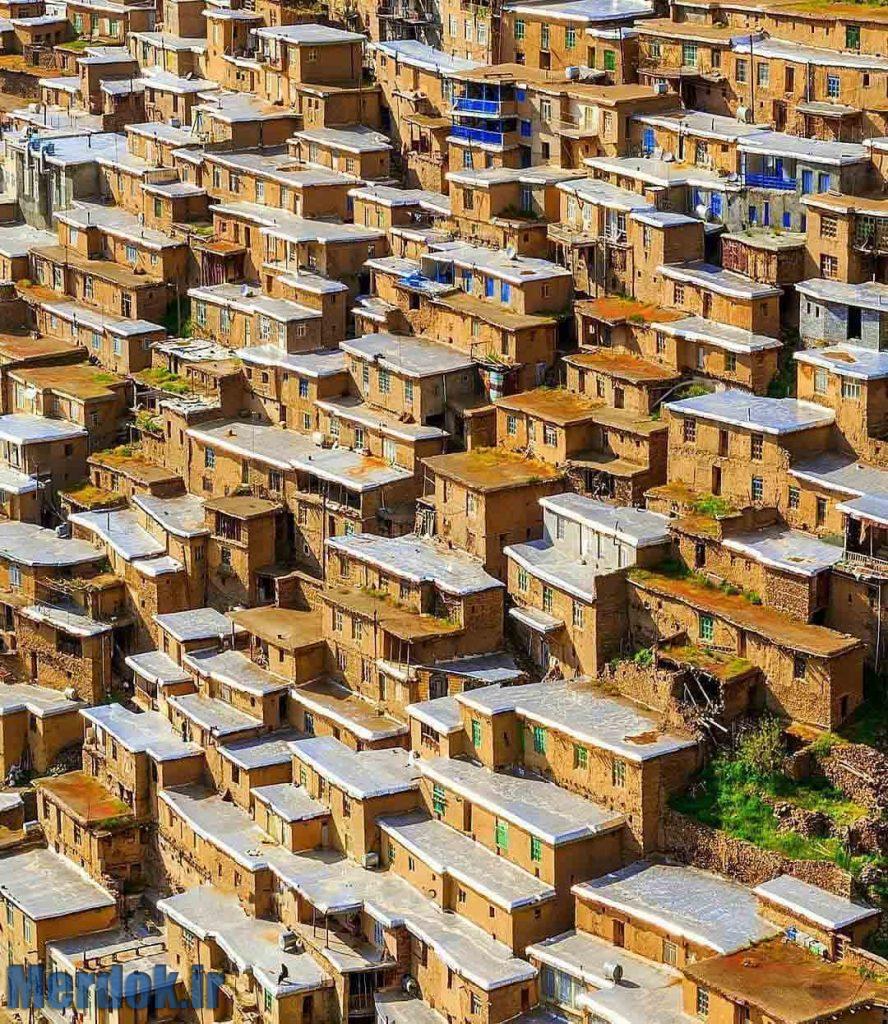 نمایی بسیار زیبا از روستای نمونه گردشگری دولاو شهرستان سنندج