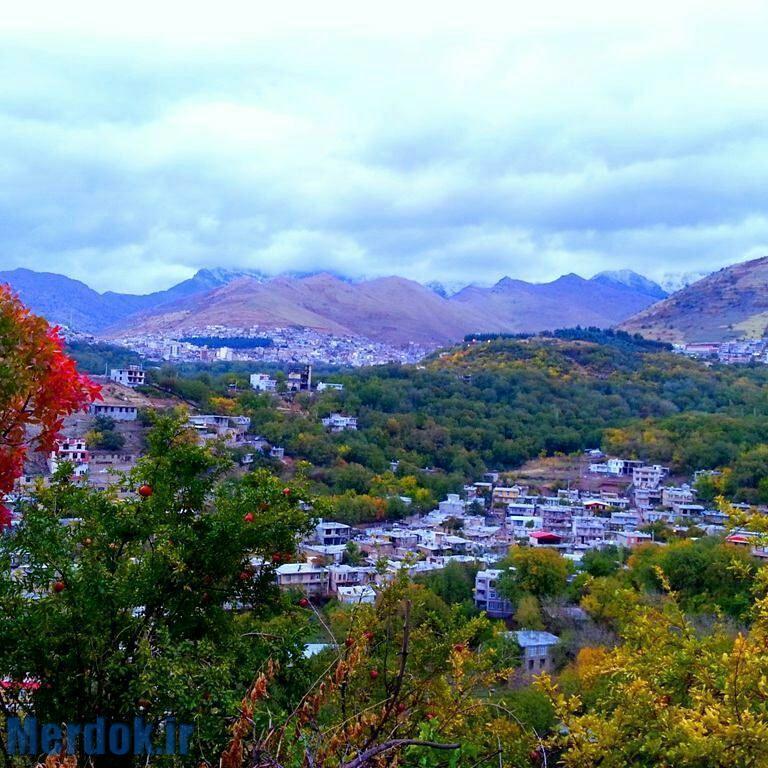 روستای زیبای خانقاه و شهرپاوه دریک زاویه شهرستان پاوه مناطق اورامانات استان کرمانشاه